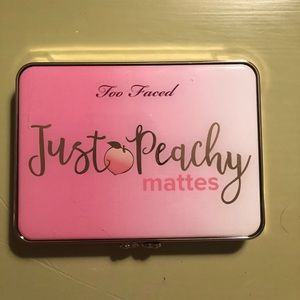 Too Faced Just Peachy Matte Pallet